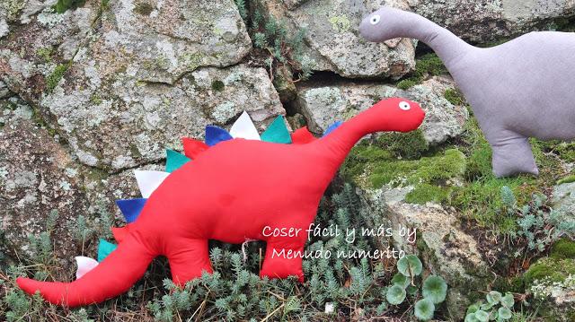 Cómo hacer un dinosaurio de trapo
