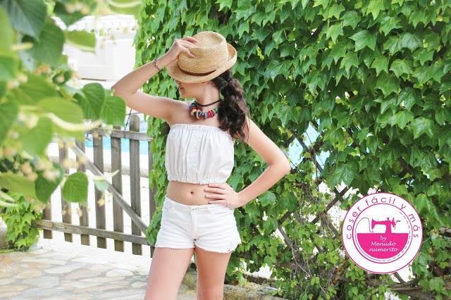 Más ideas para reciclar camisas: un top de verano