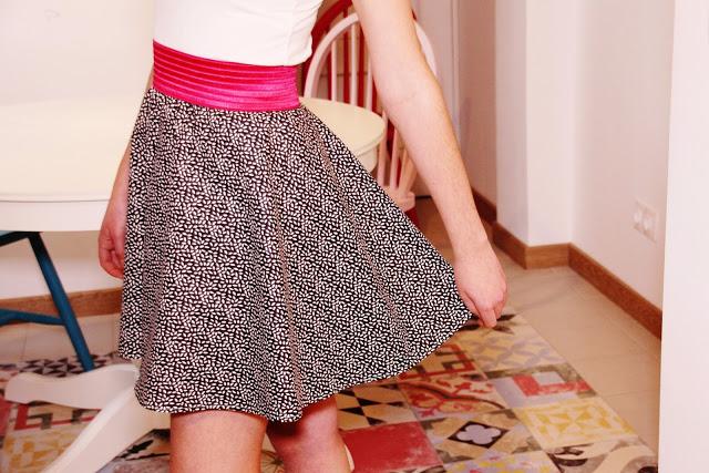 Cómo hacer una falda de media capa