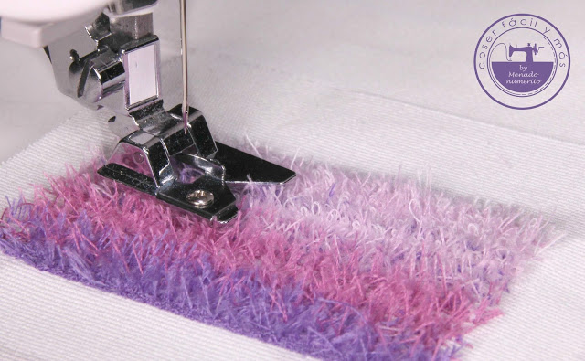 """Cómo usar el """"fringe foot"""" para decorar tus costuras"""