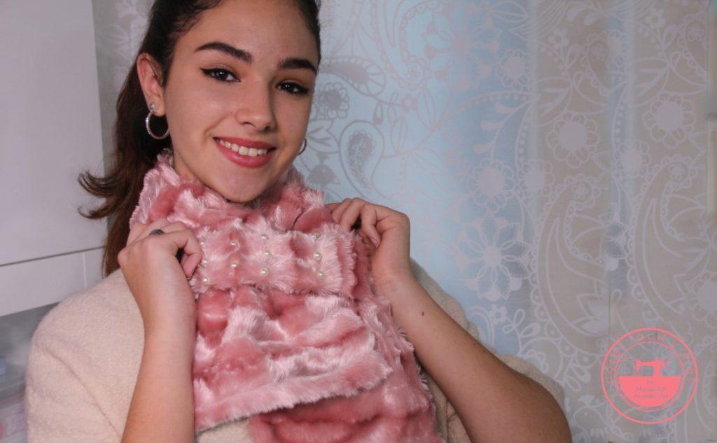 cuello de pelo rosa con perlas coser facil y mas menudo numerito