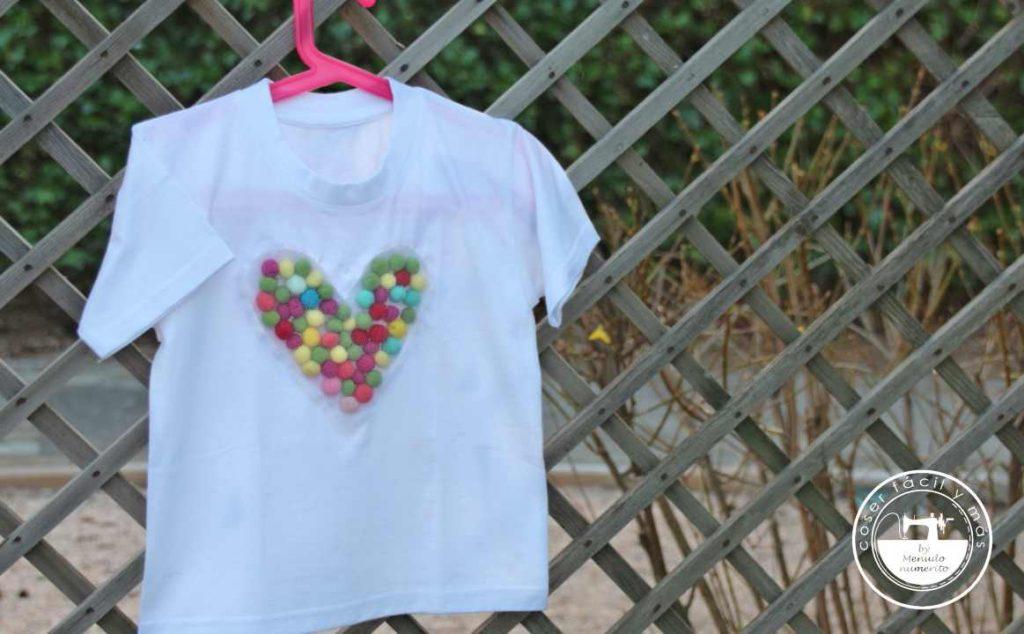 camiseta con pompones coser facil y mas menudo numerito
