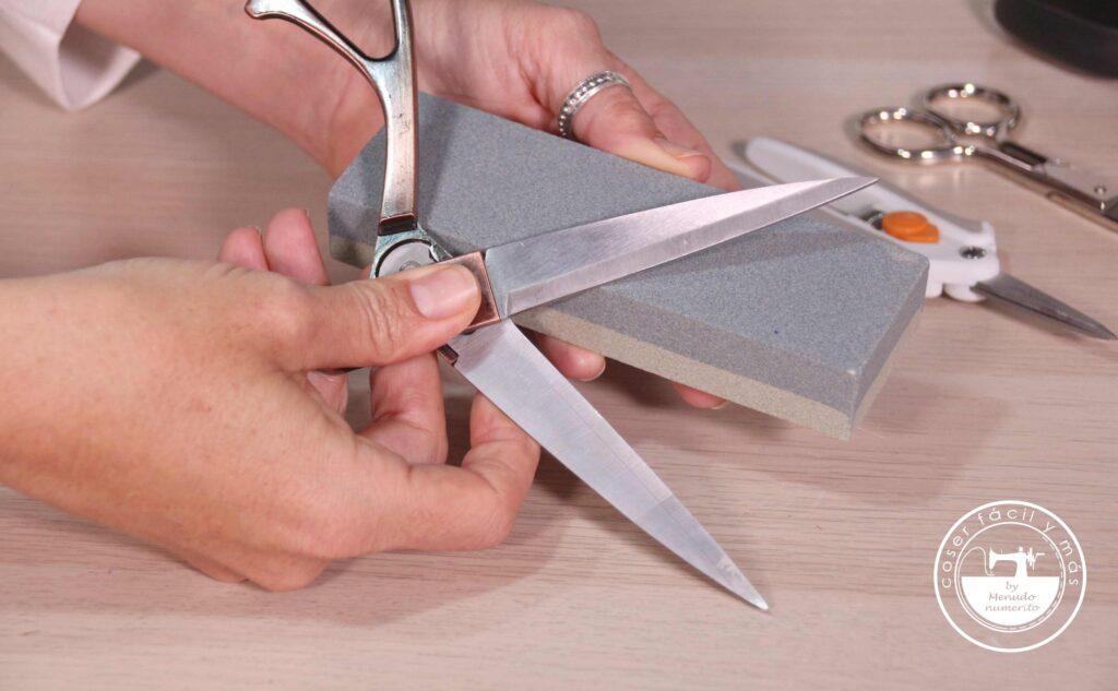 trucos para afilar tijeras coser facil menudo numerito blogs de costura