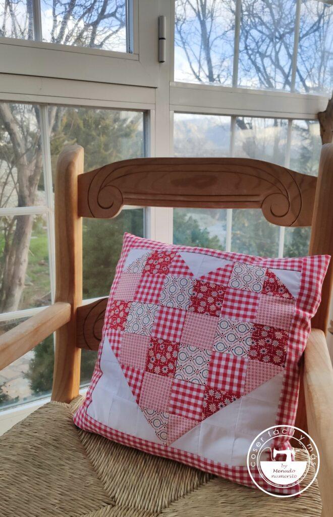 cojín patchwork corazon menudo numerito blogs de costura